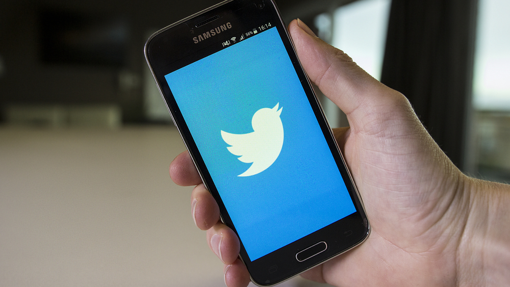 Twitter Suffers Widespread Hour-Long Outage on Mobile Apps, Web